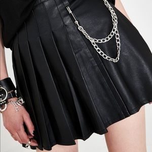 Current mood asymmetrical pleat skirt with chain